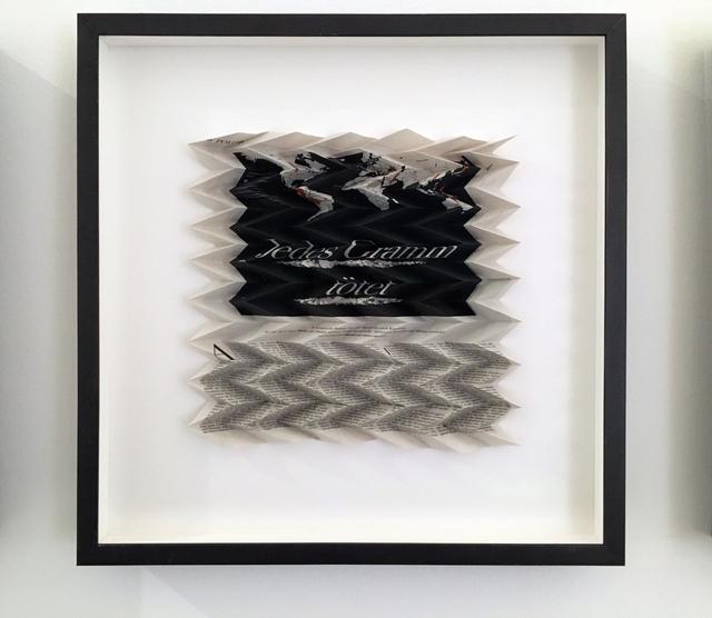 , 'Jedes Gramm tötet, schwarze Weltkarte, Politik, Juli 2017, Die Zeit #30,' 2018, Galerie Elisabeth & Klaus Thoman