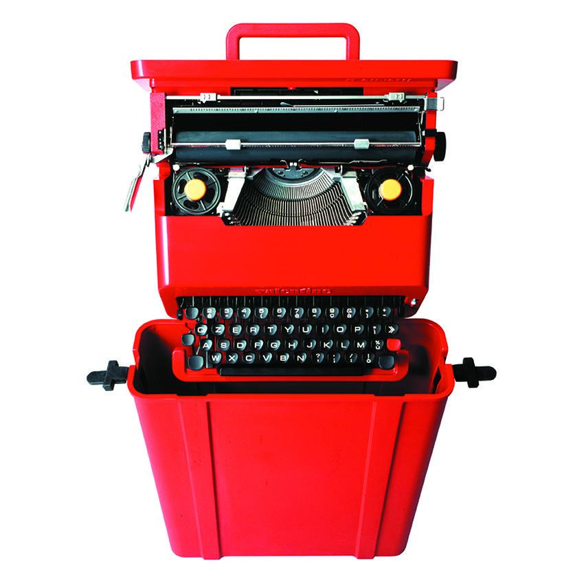 Valentine, Typewriter, Ettore Sottsass und Perry A. King, 1969, Manufacturer: Olivetti, Photo: Alberto Fioravanti, Courtesy: Studio Ettore Sottsass