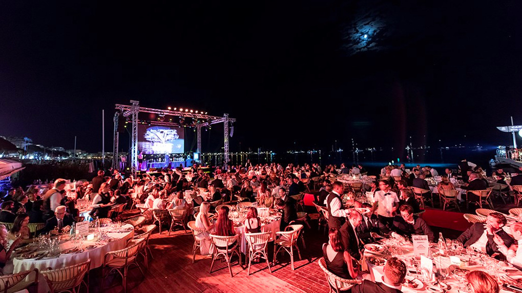 500 guests attended this unique night