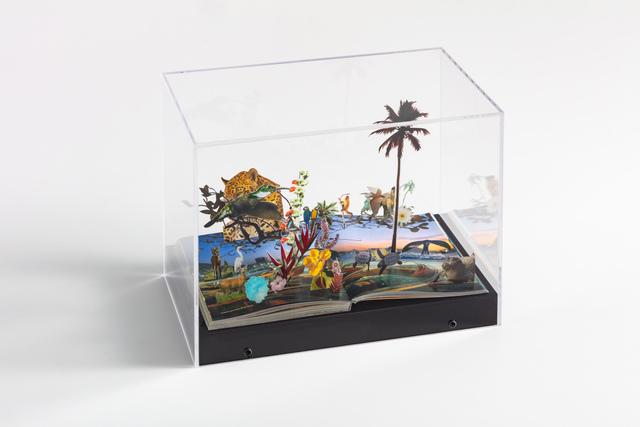 Daniel Escobar, 'Praia de Copacabana (Parque Nacional)', 2020, Sculpture, Collage on travel guide, Zipper Galeria