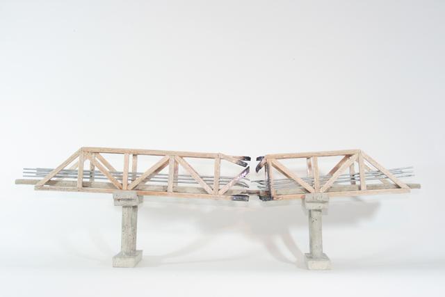 , 'Puente caido,' 2015, Galería de la Oficina