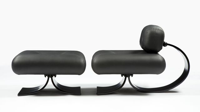 Oscar Niemeyer, 'Lounge chair in black leather with a bentwood base', 2007, Design/Decorative Art, Leather, wood, R & Company