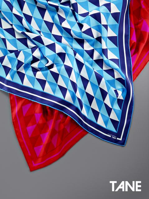 , 'Mascadas Geométrica Azul y Rojo,' 2015, Tane
