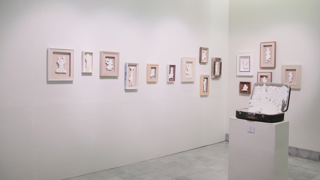 , 'Semesta yang teralienasi mempertanyakan kediriannya dalam ekspresi tunggal,' 2013-2015, Equator Art Projects