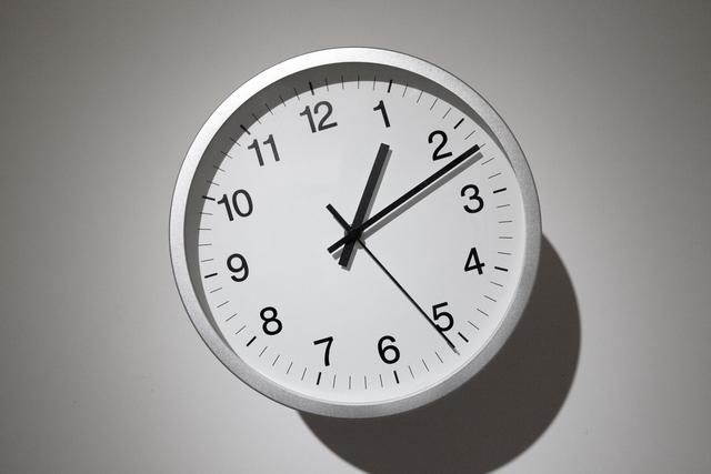 , 'Relativity Clock,' 2012, de Sarthe Gallery