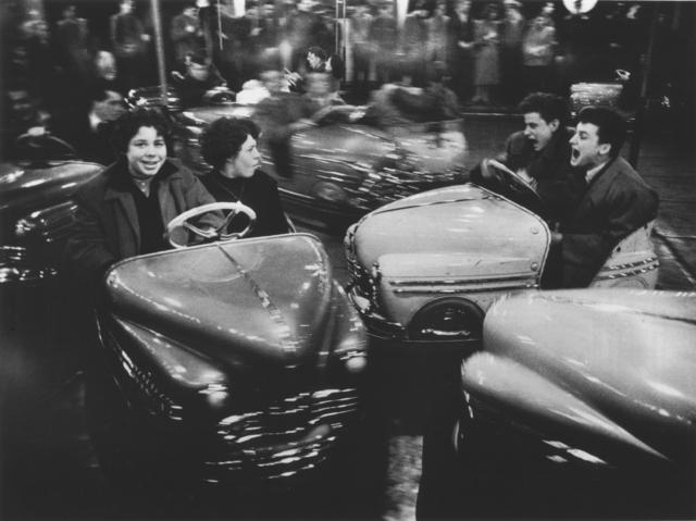 Willy Ronis, 'La fête foraine, Paris', 1955, Argentic