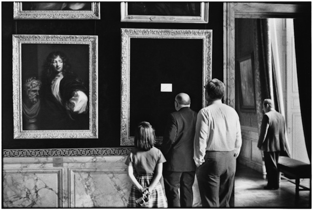 , '10. France. Versailles. (Out for repair),' 1975, f22 foto space