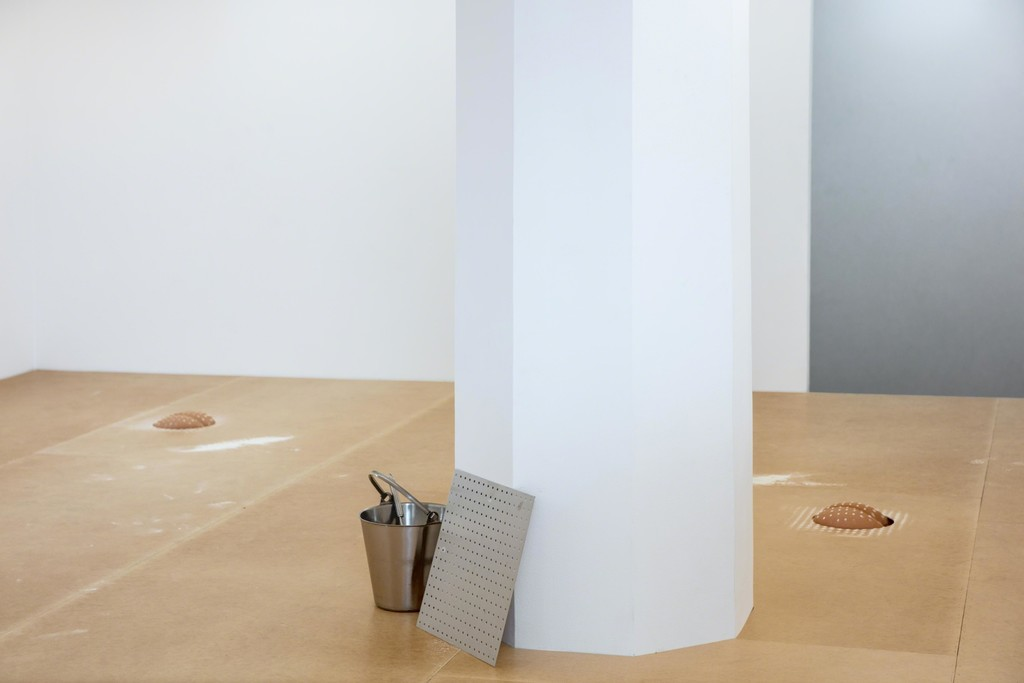 Kristina Matousch, Bake, 2018, performance and installation view