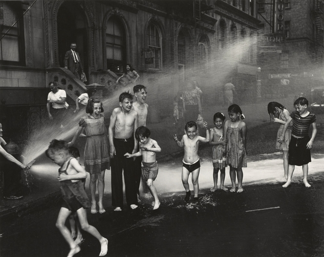 , '[Summer, The Lower East Side, New York City],' summer 1937, J. Paul Getty Museum