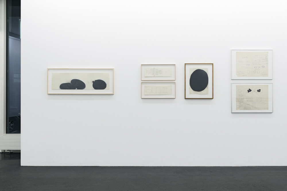 Gary Kuehn »Black Paintings« Photo: Wolfgang Stahl