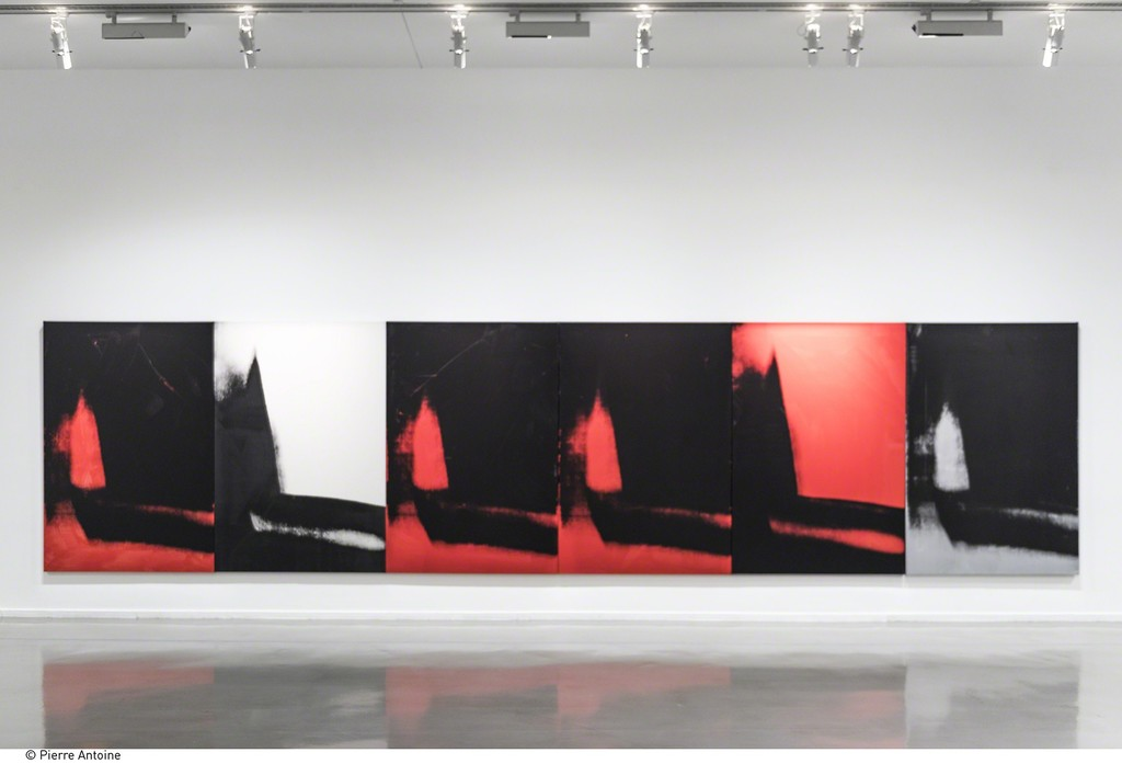 "Andy Warhol, Shadows, 1978-79. Installation view of  ""Warhol Unlimited"" at Musée d'Art Moderne de la Ville de Paris (2015-2016) © Courtesy Dia Art Foundation, New York © The Andy Warhol Foundation for the Visual Arts, Inc. / ADAGP, Paris 2015 © Pierre Antoine"