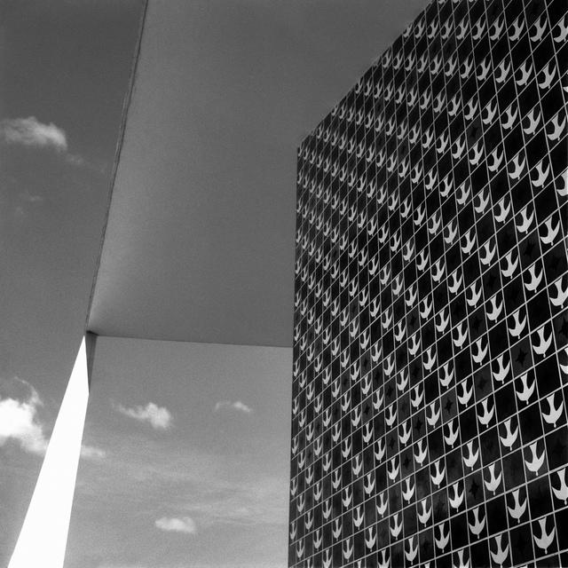 , 'Dois planos e uma reta - Série Brasília Utopia Lírica,' 2014, Galeria Eduardo Fernandes