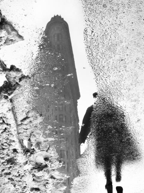 , 'Flatiron Building, reflejado en un charco. ,' 2016, MAMAN Fine Art Gallery