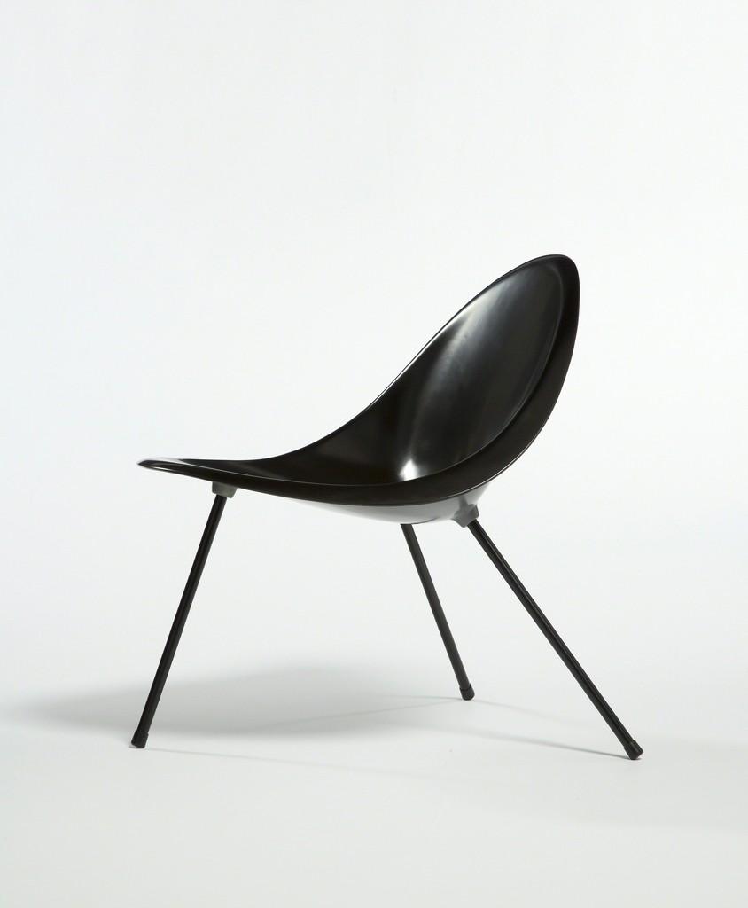 Poul Kjærholm | Aluminum Tripod Chair (black) (1953/2007) | Available For  Sale | Artsy