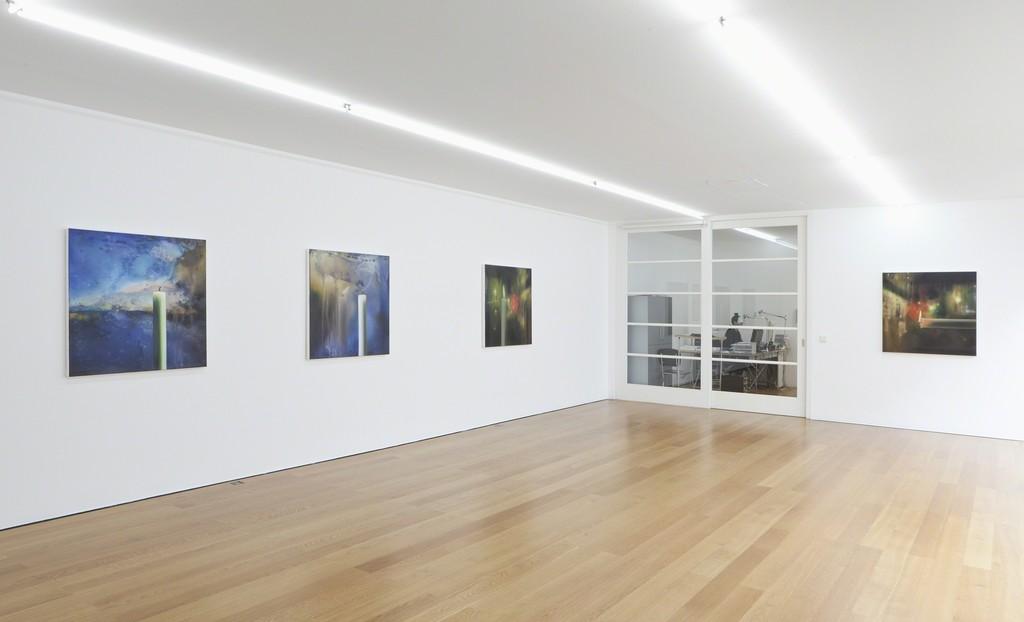 Installation view Karin Kneffel at Galerie Rüdiger Schöttle, 2016. Photo: Wilfried Petzi.