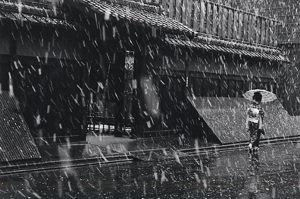 Kiichi Asano, 'In front of the tea house, Ichiriki on a Snowy Day', February 1960, Scott Nichols Gallery
