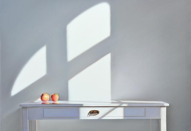 , 'Tisch mit zwei Äpfeln im Licht,' 2016, Galerie Friedmann-Hahn
