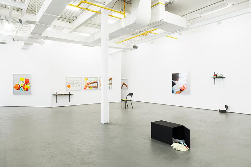 PLIER / FOLD, 2016, exhibition view at galerie antoine ertaskiran, © Matthew Brooks