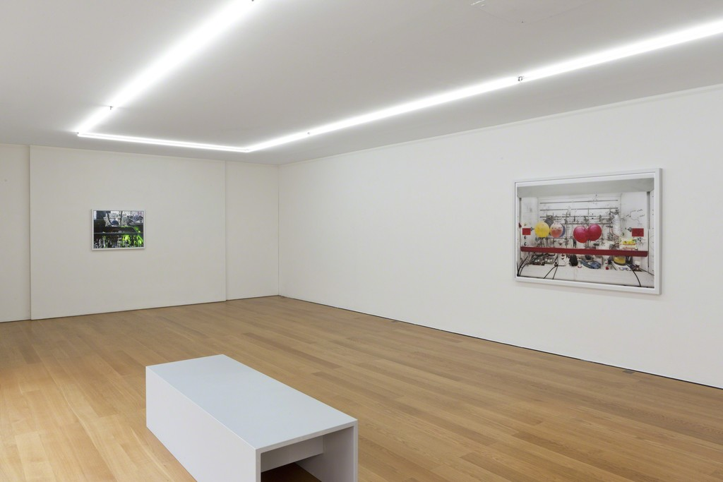 Installation view Thomas Struth at Galerie Rüdiger Schöttle, 2015.
