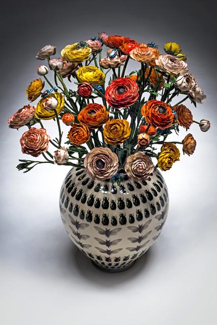 Mazzo Di Fiori Jpg.Bertozzi Casoni Vaso Con Mazzo Di Fiori 2019 Available For