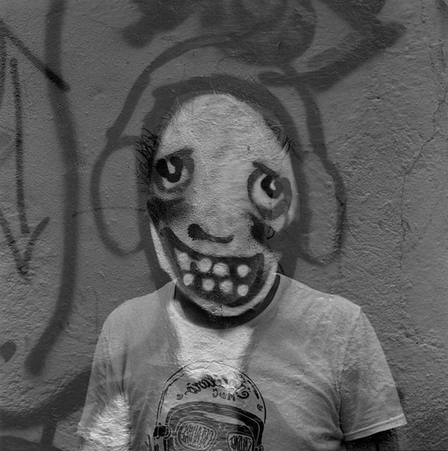 """, '""""Autorretrato dibujado en un muro"""",' 2013, Galería Juana de Aizpuru"""
