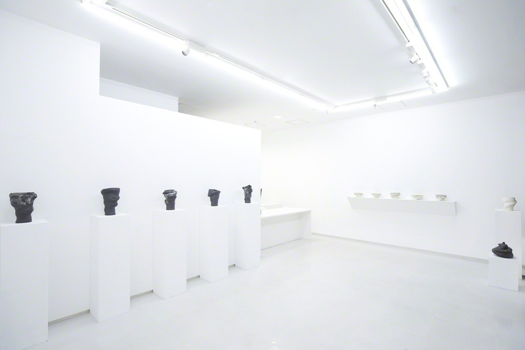 "Installation view from ""Issues from the Hands"" 8/ ART GALLERY/ Tomio Koyama Gallery, 2017 ©Toshiaki Noda, photo by Kenji Takahashi"