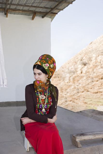 , 'Frau in turkmenischer Alltagstracht in Neu-Nisa,,' 2018, Neues Museum