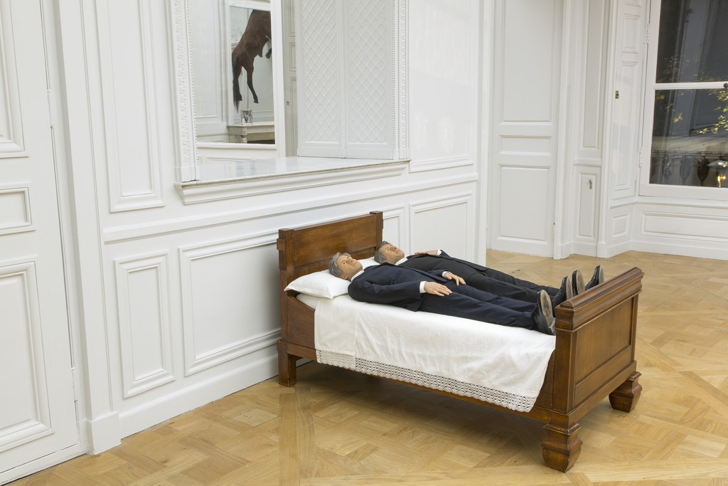 Maurizio Cattelan, We, 2010; Maurizio Cattelan, Sans titre, 2007;