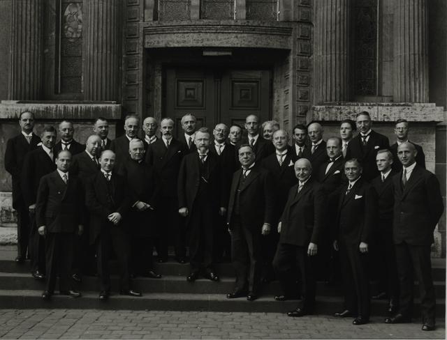 August Sander, 'High School Teaching Staff, 1925', Galerie Julian Sander