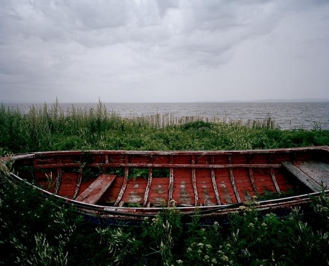 Bertrand Carrière, 'Chaloupe rouge, Carleton-sur-mer, Gaspésie (Série Après Strand)', 2010, Photography, Ink jet print, Galerie Simon Blais