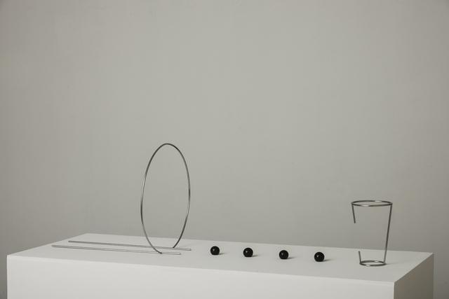 , 'Copo fotografando pedra,' 2015, Galeria Raquel Arnaud