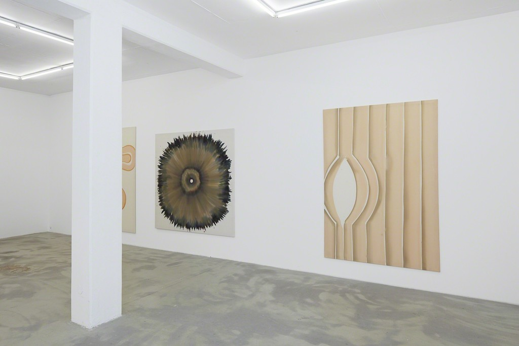 Close to, 2015 exhibition view Klemm's, Berlin