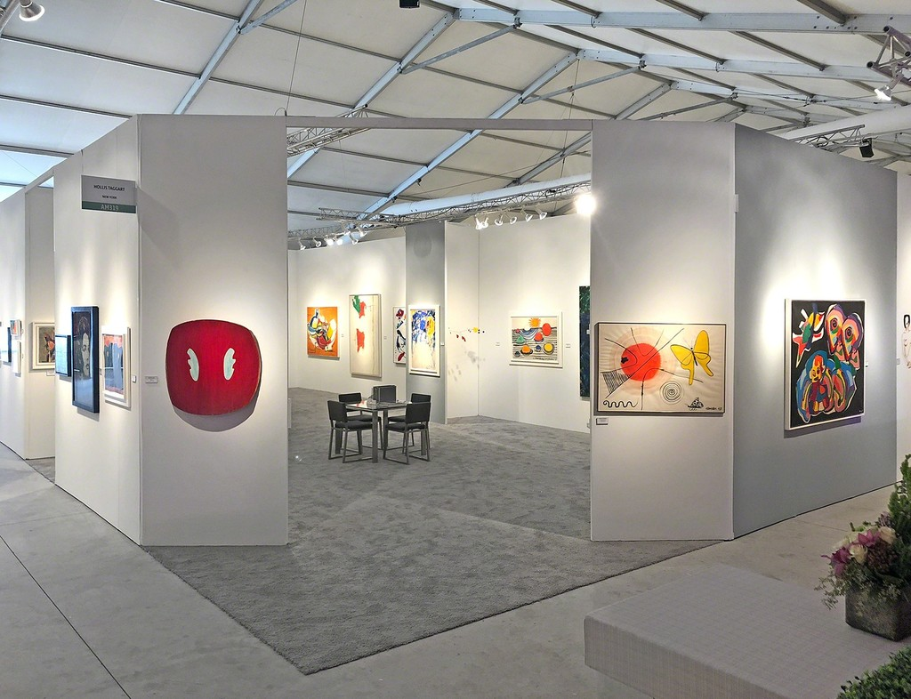 Art Miami 2018, Booth 319 - Left to right: Ron Gorchov and Alexander Calder
