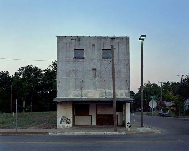 Alec Soth Elm Street Theater Waco Texas 2006