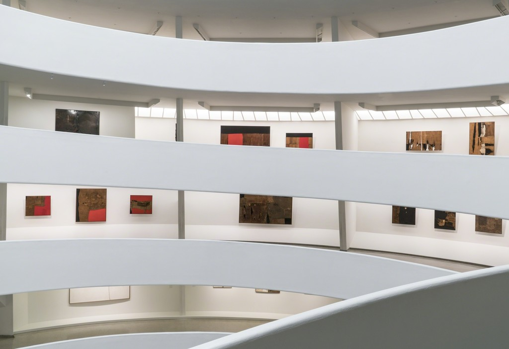 Alberto Burri: The Trauma of Painting, October 9, 2015–January 6, 2016, Solomon R. Guggenheim Museum. Photo: David Heald © Solomon R. Guggenheim Foundation