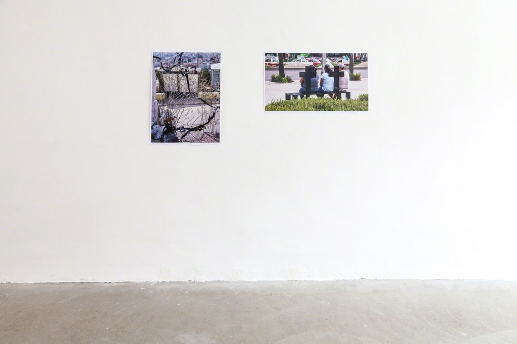 "exhibition view Selma Weber: (left) ""wilde Ribbon"", Istanbul 2005/2018, inkjet print and (Right) ""Mexico City"", 2012/2018, inkjet print 
