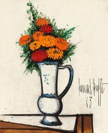 Bouquet de zinnias dans un broc
