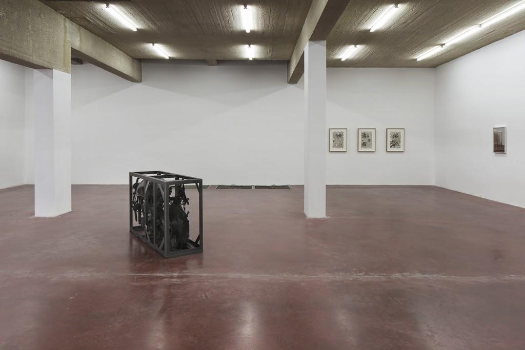 Ariel Schlesinger, 11 Hours Forward, 2016, Exhibition view