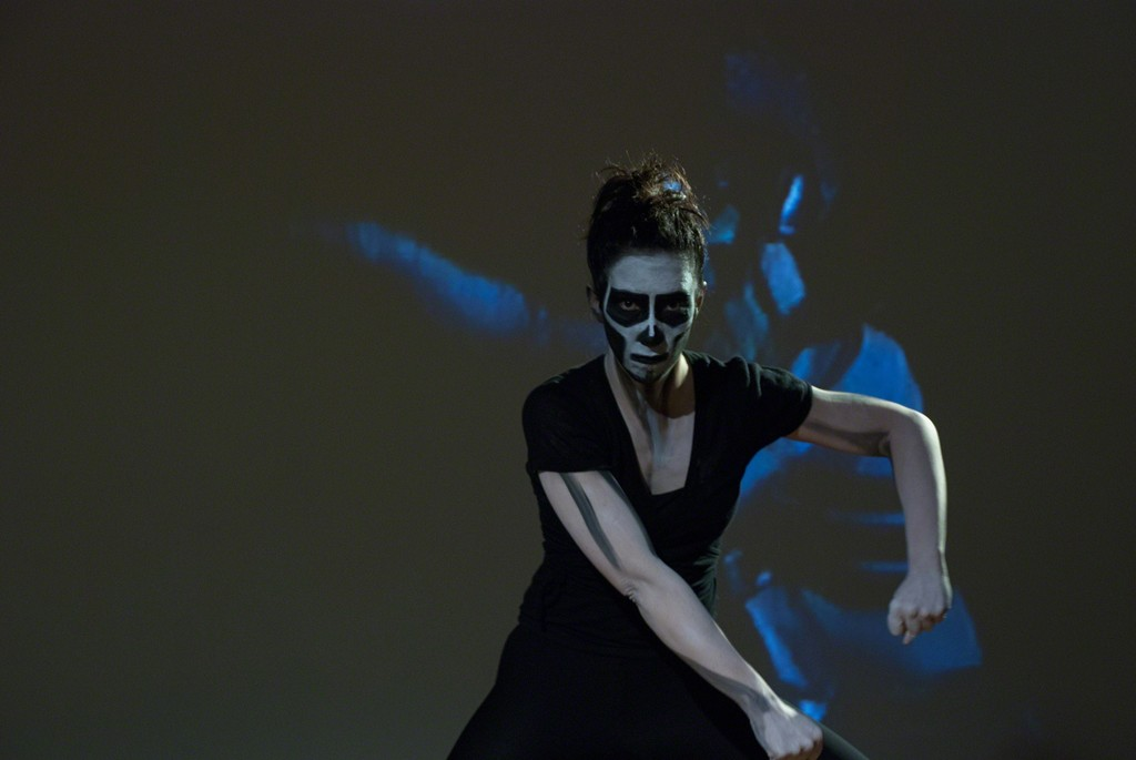 Isa Rosenberger, Espiral, 2010/13, (Tänzerin: Amanda Piña, Setfoto: Reinhard Mayr), Setphoto: © Reinhard Mayr, © Artothek des Bundes