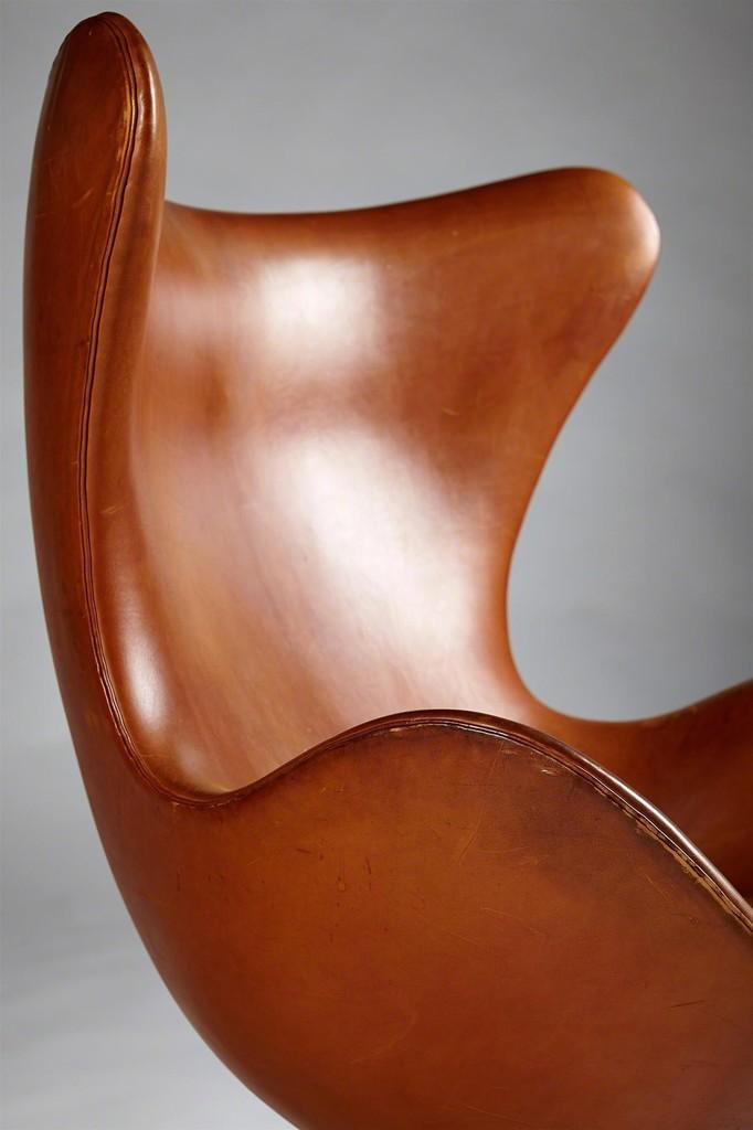 arne jacobsen egg chair 1958 artsy. Black Bedroom Furniture Sets. Home Design Ideas