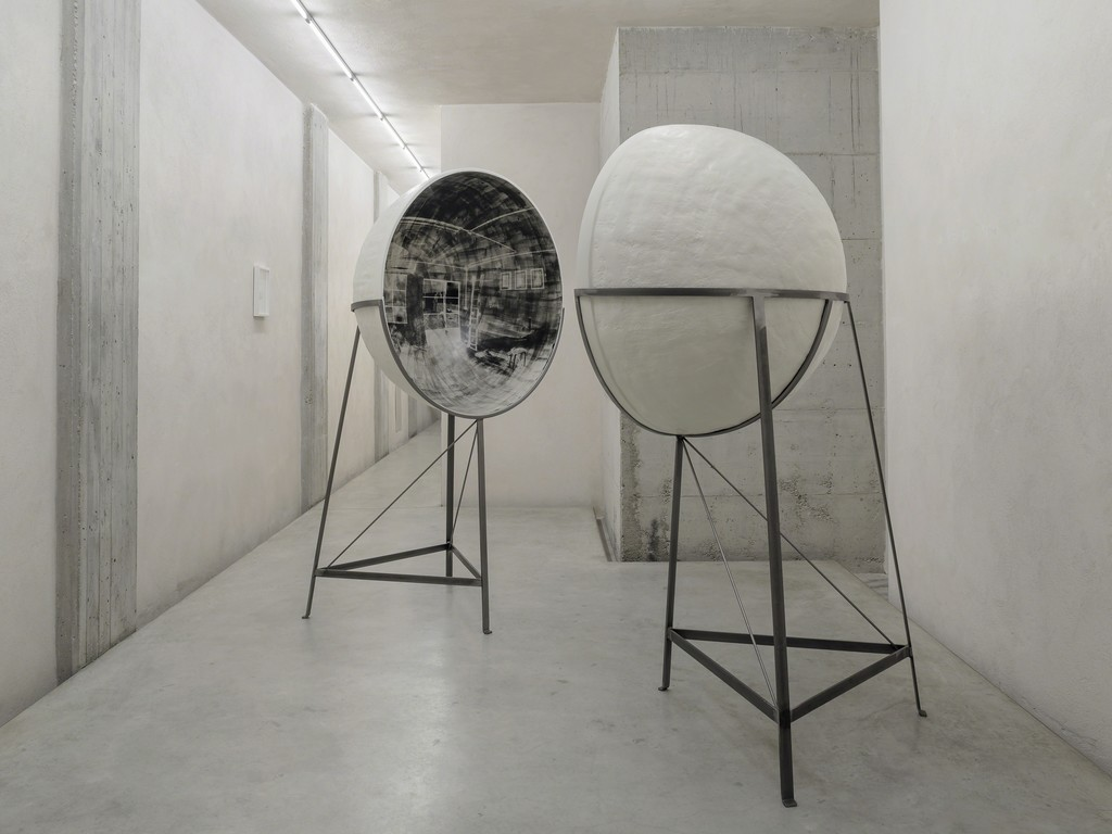 Untitled (Double Hemisphere Room) 2016, installation view at CAR DRDE Bologna, Italy