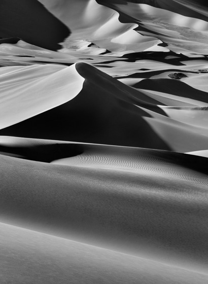 , 'Sand dunes between Albrg and Tin Merzouga, Tandart. South of Djanet, Algeria.,' 2009, Sundaram Tagore Gallery