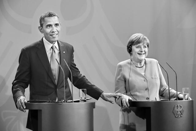 , 'Der amerikanische Präsident Barack Obama und Bundeskanzlerin Angela Merkel bei der Pressekonferenz im Bundeskanzleramt,' 2013, Galerie Jordanow