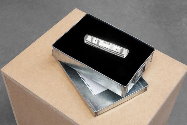 , 'Lucio's comb,' 2011, kurimanzutto