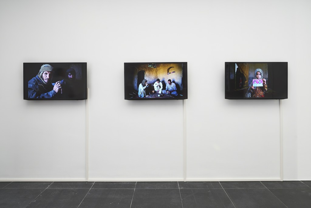 Sadegh Souri, Fuel Smuggling, 2017, Installation view Frankfurter Kunstverein, 2018, Photo: N. Miguletz, © Frankfurter Kunstverein, Courtesy of the artist