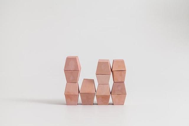 , 'sem título (morangos),' 2016, Anita Schwartz Galeria de Arte