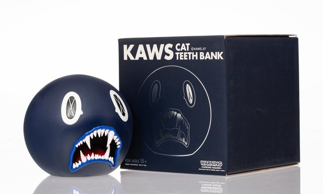 KAWS, 'Cat Teeth Bank (Navy)', 2007, Heritage Auctions