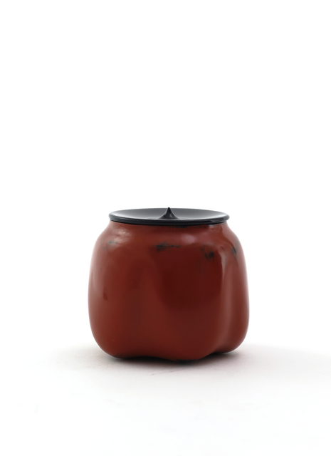 Jihei Murase, 'Vermilion lacquer medicine-container shaped sculpted tea caddy, Negoro style', 2017, Ippodo Gallery