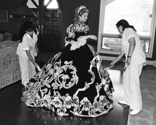 , 'Debutante and her Maids, Laredo, Texas February 18, 1994,' , Gail Severn Gallery