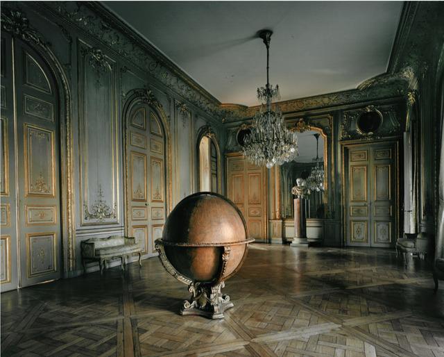 Michael Eastman, 'Globe, Paris', 2010, Holden Luntz Gallery